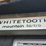 Whitetooth Mountain Bistro Foto