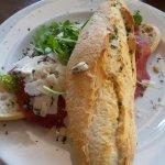 Queen Hotel Cafe Restaurant Foto