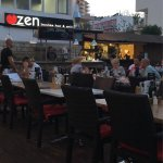 Zen Lounge Bar and Grill Foto