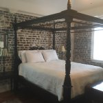 Loved the carriage house! Spacious and beautiful. Extremely comfortable bed.