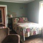 Violet's Cozy Guest Room
