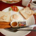 Petit déjeuner continental 15 THB