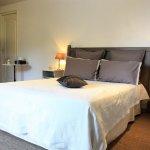 cchambre -la provence, tout confort (clim, tv, wifi, douche et wc privés
