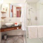 Badezimmer Einzelzimmer mit französischem Bett