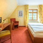 Einzelzimmer mit französischem Bett