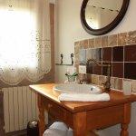 salle d'eau à l'italienne, produits d'accueil, linge de toilette