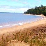 Playa de agua dulce arena fina temperatura del agua perfecta