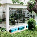 Vista de Jardines y Restaurante Azul