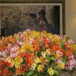 composizione floreale all'ingresso