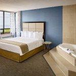 Photo de Waterfront Hotel Downtown Burlington