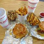 Cheeseburger, Little Hamburger, 2 drinks, small fries, free peanuts
