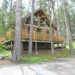 Deer Hut - Sleeps 6 Full Bathroom.