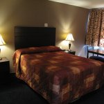 NEW Renovated One Queen Beds