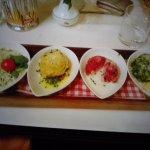 canederli ..ai formaggi.rape rosse,e spinaci con insalata di cavolo cappuccio