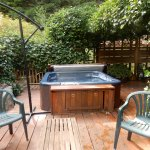 And the hot tub! Not so easy to find, so do ask!