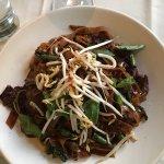 Cantonese beef noodles