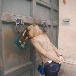 Ворота посольства Мальта (Три государства через замочную скважину)