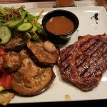 delmonico steak, no bones, 200 g and grilled vegetables