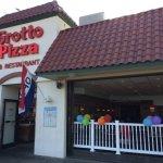 Foto de Grotto Pizza