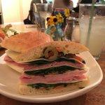 Foto di Bluefront Cafe