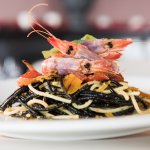 Spaghetti Fantasia con gamberi crudi e scaglie di bottarga