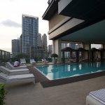 Prachtig zwembad op het 4de verdiep met adembenemend uitzicht