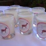 Yaourts au lait de chèvre, fabriqués par une coopérative locale