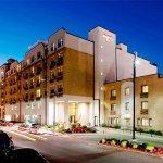 堪萨斯城乡村俱乐部广场 Residence Inn 酒店