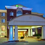 Photo de Holiday Inn Express Hotel & Suites Lexington- Downtown / University