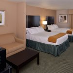 Zdjęcie Holiday Inn Express Hotel & Suites Milwaukee-New Berlin