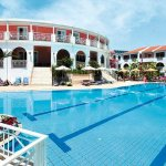 The swimming pool and accomodation
