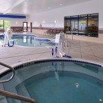 Foto de Holiday Inn Express & Suites Fairmont