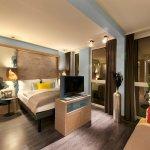 Photo de Hotel Indigo Berlin – Centre Alexanderplatz