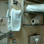 Espejo de vanidad baño habitación estándar