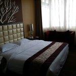 Foto de Long Way Grand Hotel