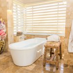 Premium Casita - Bathtub