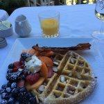 Foto de Dundee Manor Bed and Breakfast