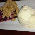 Berry pie ala mode