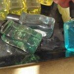Haare an Pflegeprodukten