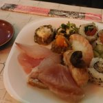 O restaurante oferece culinária Japonesa de ótima qualidade, os itens estavam todos frescos.