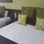 1 Queen & 1 Single beds