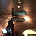 Two Fools Tavern照片