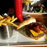 20160714_mountain rest lake louise burger_large.jpg