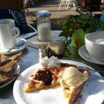 Waffel und Milchkaffee