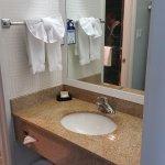 Waschtisch separat von Dusche/WC