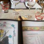 Page 1 du menu avec le dessin de la frégate La Flore