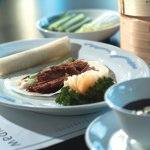 aromatic crispy duck with pancakes