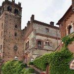 Castello con giardino.