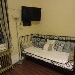 room deMaisonneuve - day bed