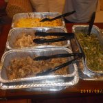 Pulled pork, pulled chicken, mac & cheese and green beans with bacon.